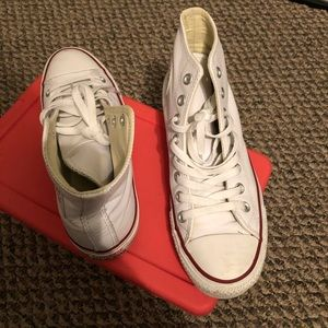 Leather women's converse